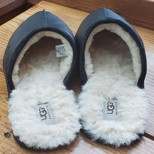 UGG Mens  slippers  Size 13